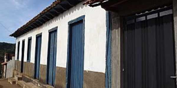Pinheiros Altos-MG-Casarão Colonial Histórico-Foto:CARNEIRO