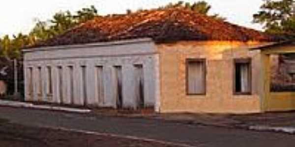 Casarão antigo [1] em Piracaiba-Foto:olintocristo