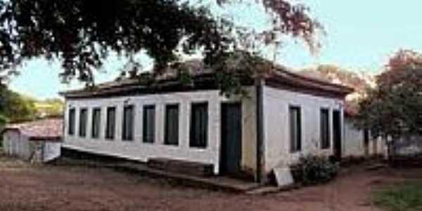 Casarão antigo [2] em Piracaíba-Foto:olintocristo