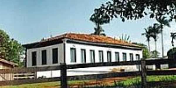 Casarão de Fazenda-Foto:Glaucio Henrique Cha…