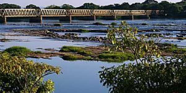Pirapora-MG-Ponte Marechal Hermes e o Rio São Fracisco-Foto:Almacks luiz silva