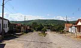 Pitarana - Rua com a Serra ao fundo-Foto:Herson cesar