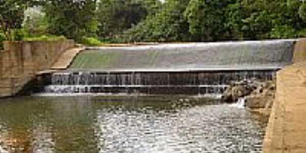 Barragem para Capta��o no Ribeir�o Araras em Piumbi-Foto:Coelho de Piumbi