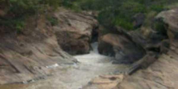 cachoeira grande poaia mg, Por Tatiana