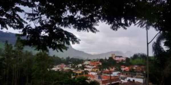 Chuva no começo da tarde - Sabrina Camilo, Por Sabrina Camilo