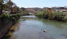 Ponte Nova - Ponte Nova-MG-Rio Pitangas e a cidade-Foto:GELASBRFOTOGRAFIAS