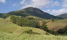 Pouso Alto - Trilha para o Pico do Rachado em Pouso Alto-Foto:Joseane Guimarães