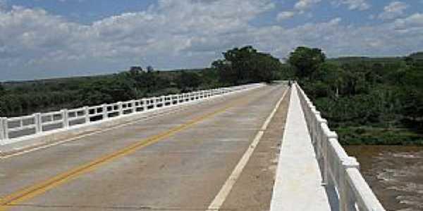 Presidente Juscelino-MG-Ponte sobre o Rio das Velhas-Foto:rocha-40