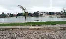 Aracatu - Aracatu-BA-Lago no centro da cidade-Foto:www.boquiraemacao.com.br
