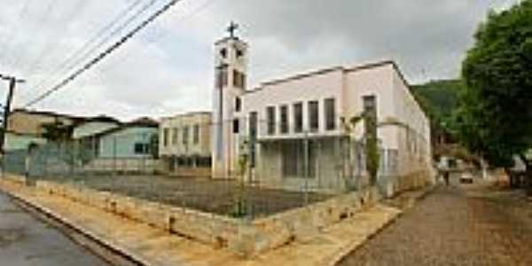 Igreja de São João Batista em Reduto-Foto:sgtrangel