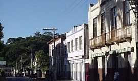 Rio Casca - Rio Casca-MG-Casarões na Av.Senador Cupertino-Foto:megatimes.com.br