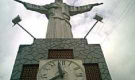 Rio Novo - Imagem do Cristo e o Relógio em Rio Novo-MG-Foto:Tony Borrach
