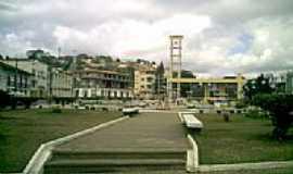 Rio Novo - Praça central em Rio Novo-MG-Foto:Tony Borrach