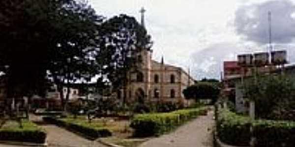 Praça e Igreja Matriz em Rio Pardo de Minas-Foto:Rômulo Henok
