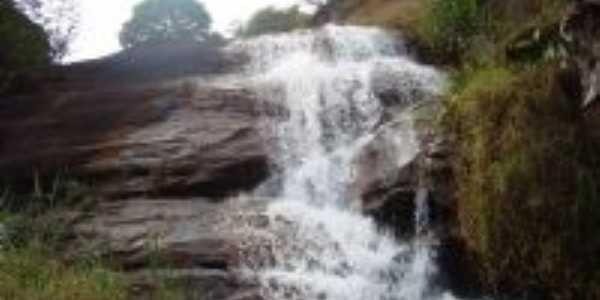 Cachoeira Azul (Bairro Estiva), Por Marcos