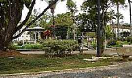 Rio Pomba - Pra�a Dr.�ltimo de Carvalho-Foto:mauroal