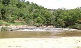 Rio Pretinho - Cachoeira de Rio Pretinho-Foto:rio pretinho