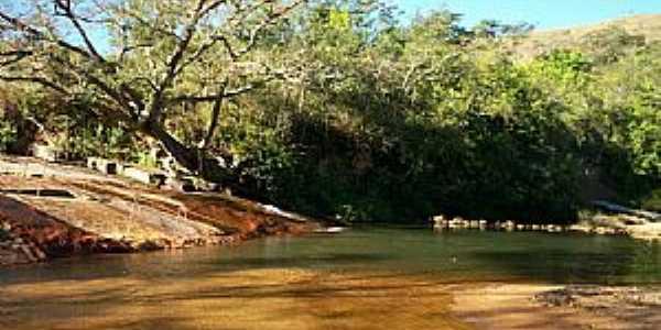 Ritápolis-MG-Cachoeira do Jaburu-Foto:André Saliya