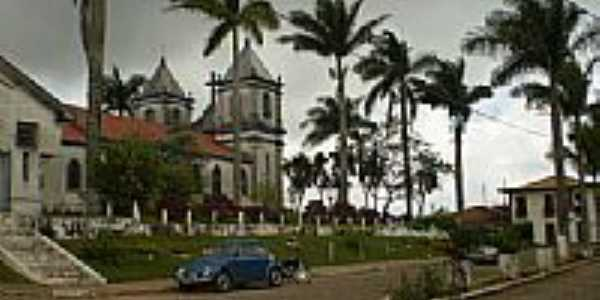 Praça na lateral da Igreja de Roças Novas-Foto:Anizio Rezende