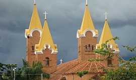 Romaria - Romaria-MG-Torres do Santuário de N.Sra.da Abadia no Distrito da Água Suja-Foto:Eldo Brasil