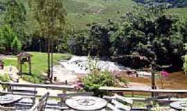 Santa Bárbara do Monte Verde - Cachoeira em Santa Bárbara do Monte Verde-Foto:Explorer-55