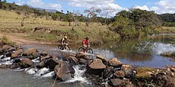 Imagens da cidade de Santa Bárbara do Monte Verde - MG