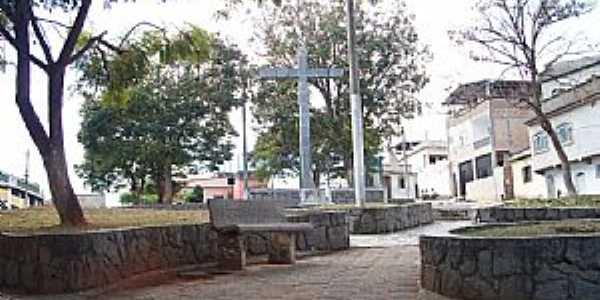 Santa Cruz de Minas-MG-Cruz que deu nome ao lugar-Foto:Bruno Leal