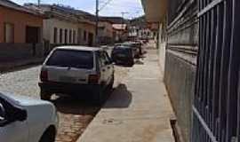 Santa Cruz do Escalvado - Rua central de Santa Cruz do Escalvado-MG-Foto:rafael sguizzato