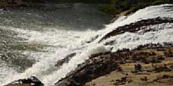 Cachoeira do Rio Manhuaçu-Foto:cristiano dos reis