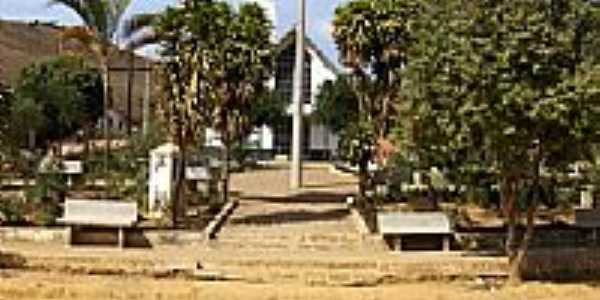 Praça e Igreja-Foto:andre teles
