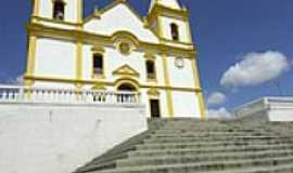 Santa Luzia - Escadaria da Igreja Matriz em Santa Luzia-Foto:renato weil