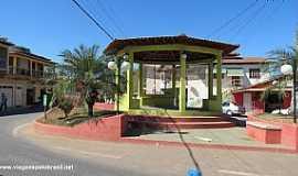 Santa Maria do Suaçuí - Santa Maria do Suaçuí-MG-Coreto na Praça central-Foto:viagenspelobrasil.net