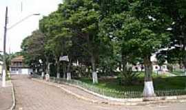 Santa Rita do Ibitipoca - Praça no centro de Santa Rita do Ibitipoca-MG-Foto:ALTEMAR DA SILVA TEI…