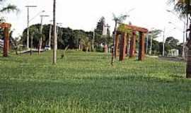 Santa Vitória - Santa Vitória-MG-Entrada da cidade-Foto:Espirito_dePorco_SV