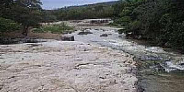 Rio São João por Luis Macedo
