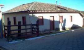Santana do Garambéu - Casa Tradicional , Por Renato Augusto Velho