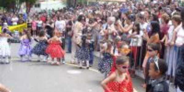 Festa da cidade - 12 de outubro - Santan do Jacaré - MG, Por Ailce Costa
