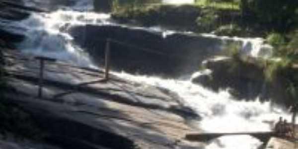 Cachoeira Santana do Para�so, Por Ya�an� Farias