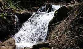 Santana dos Montes - Cachoeira da Fazenda Ruinas do Mau Cabelo