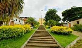 Santo Antônio do Glória - Santo Antônio do Glória-MG-Escadarias da Igreja no meio da praça-Foto:sgtrangel