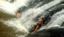 Santo Ant�nio do Jacinto - cachoeira, Por LUCIANA PAULO