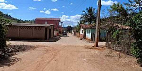 Santo Antônio do Mucuri-MG-Vista do centro-Foto:Júnior Gonçalves