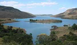 Santo Hil�rio - Lago de Furnas em Santo Hil�rio - por Prof. Dr. Ivan Andrade