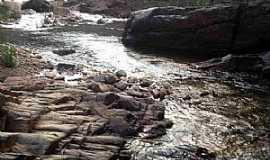 Santo Hil�rio - Santo Hil�rio-MG-Cachoeira do Lajeado-Foto:Prof. Dr. Ivan Andrade