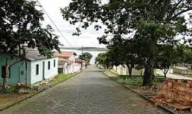 Santo Hil�rio - Santo Hil�rio-MG-Rua do Distrito-Foto:Saulo Teixeira