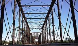 Santo Hipólito - Santo Hipólito-MG-Ponte sobre o Rio das Velhas-Foto:Leandro Durães