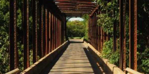 Ponte sobre o Rio das Velhas., Por Fernando Mendes
