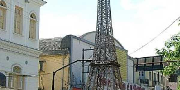 Santos Dumont-MG-Réplica da Torre Eiffel no centro-Foto:Jorge A. Ferreira Jr