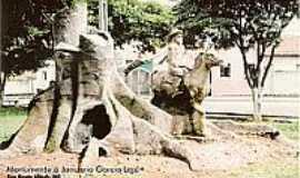 S�o Bento Abade - Monumento � Janu�rio Garcia Leal