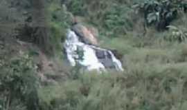 São Domingos das Dores - cachoeira São Domingos das Dores , Por joao gualberto